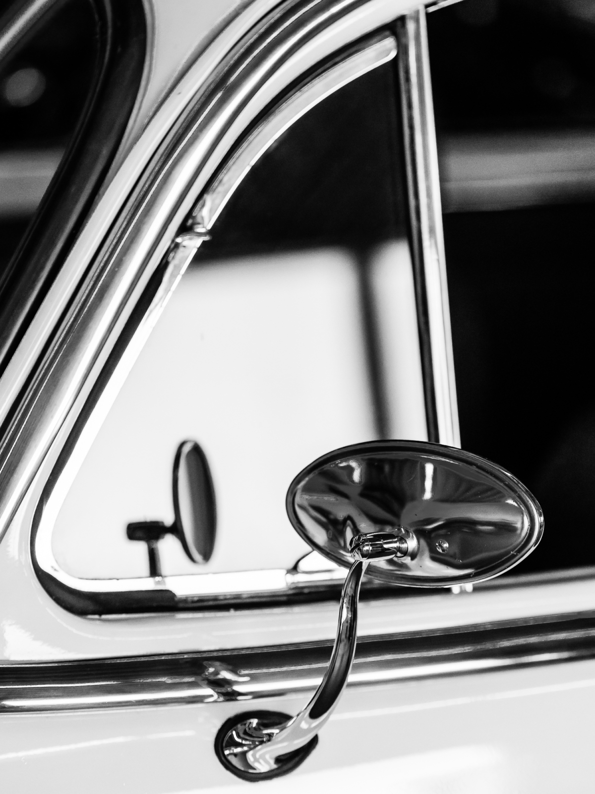 Photo theme: Quarter Windows & Side Mirrors